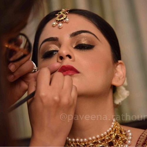 Paveena Kh